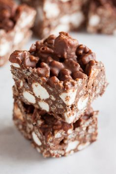 No-bake Crispy Rocky Road Bars – with chocolate, butterscotch, peanut butter, crispy rice cereal, and mini marshmallows. You'll love them!