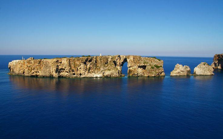 Fanari and Sfaktiria. The verdant islands • Messinia ★ Greece www.house2book.com