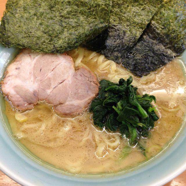 横浜家系ラーメン 二代目 梅家 本厚木 美味しいラーメン ラーメン