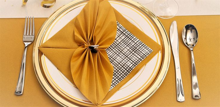 Pliage de serviette, L'éventail à plat | AVA