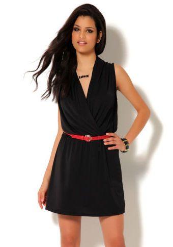 Šaty s překříženým výstřihem #ModinoCZ #fashion #dress #elegance #black #littleblackdress #saty #moda #cerna #klasika