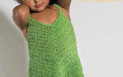 Lavori all'uncinetto: creiamo un bellissimo abitino per femminucce - Oggi utilizzeremo il lavoro all'uncinetto per realizzare un simpatico vestitino per le nostre femminucce. È un abitino ideale per la spiaggia o per la piscina, ma anche per le calde giornate da passare in relax. Il colore verde è un must di questa estate e all'abitino potremo abbinare anche una deliziosa fascia per capelli dello stesso colore.