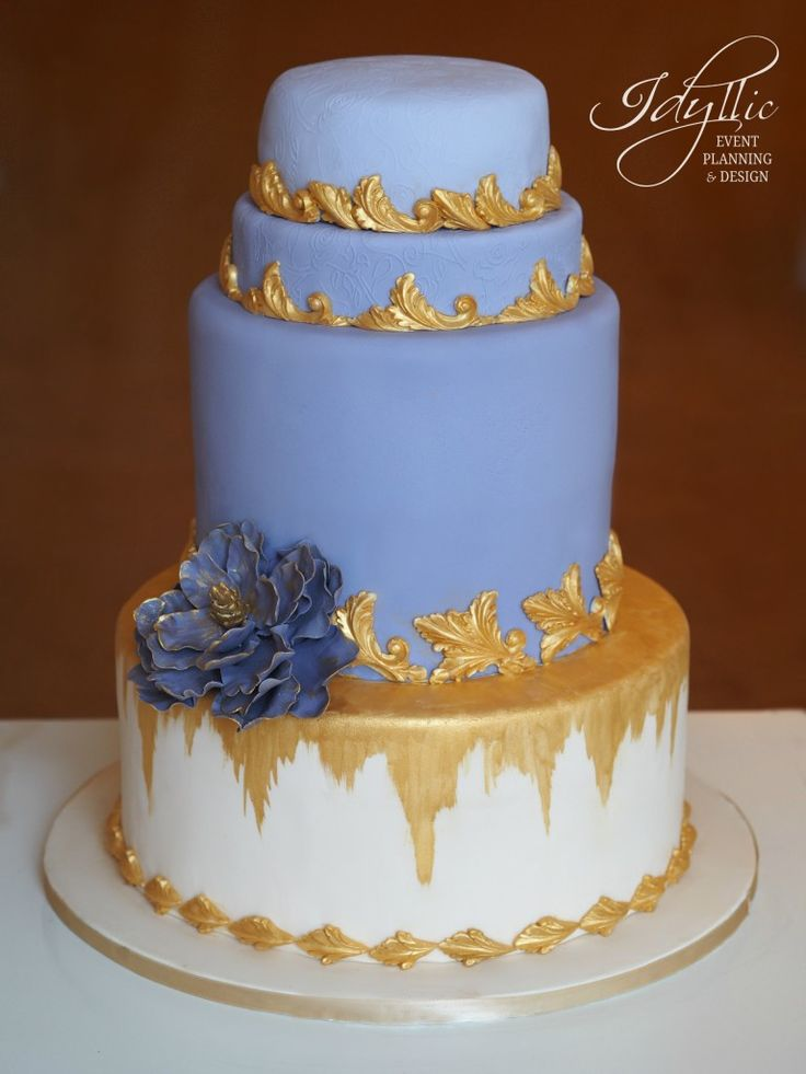 lavender and gold wedding cake /  tort nunta, productie si design Idyllic Events