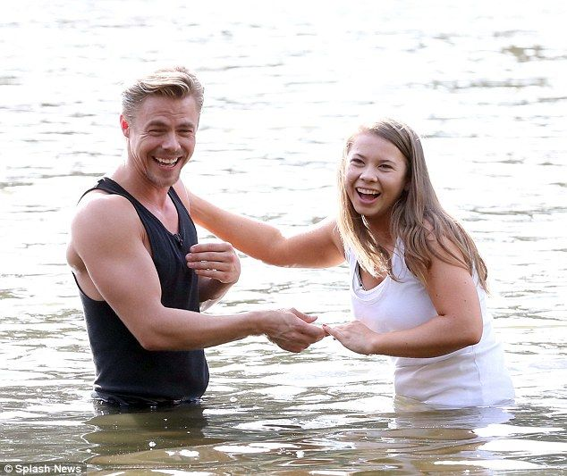 Bindi Irwin and Derek Hough recreate Dirty Dancing for Dancing With The Stars | Daily Mail Online
