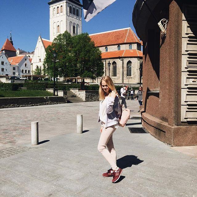 Подходят к концу чудесные четыре дня в Таллине 🙈 после обеда мы с @alyona_beauty_muah сядем на поезд и уже к ночи будем дома 😢 а ещё подходит к концу мой май, насыщенный поездками, впечатлениями и новыми знакомствами ❤ @olga_kozchenko @julizin @batkova_elena @vidnavse @nastyafrolova @angela_brulova_photographer @manchkina5 @knyazeva_masha @ira_davydova90 @svetik_griboedik @anuta_prague очень надеюсь на новые встречи ❤ спасибо моим любимым @elen.smirnova и @alyona_beauty_muah за компанию…