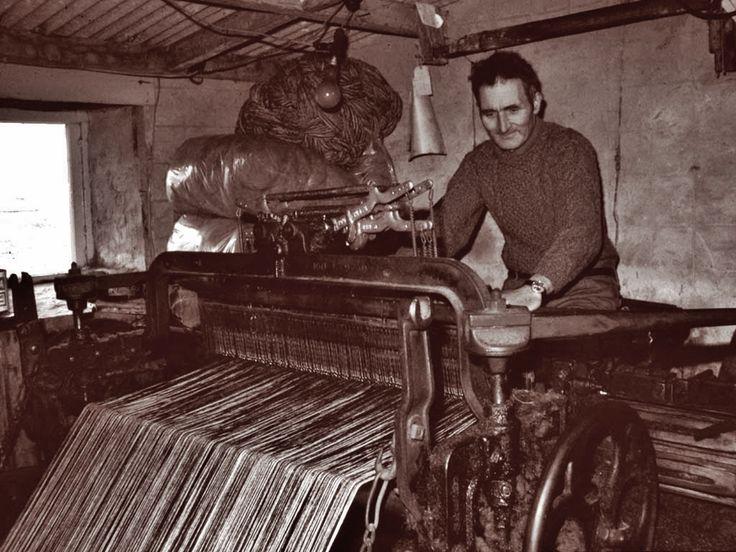Dol'ol at the loom