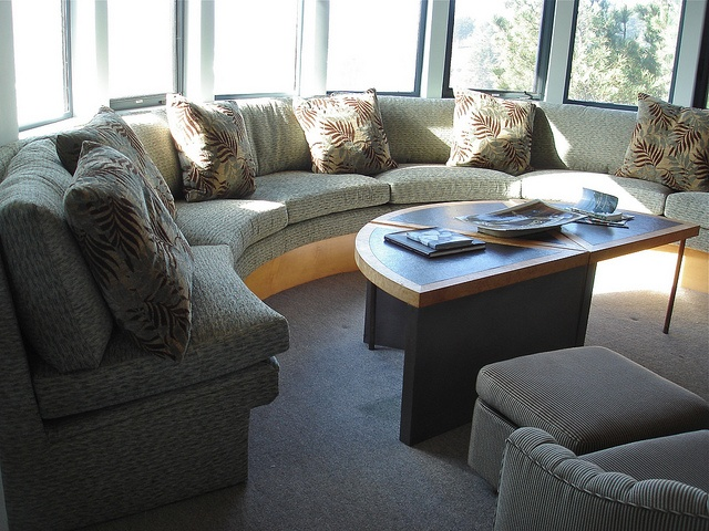 8 Best Images About Curved Window Seat On Pinterest