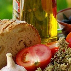 Своим неповторимым вкусом испанская кухня обязана народам, которые в прошлом населяли Пиренейский полуостров.