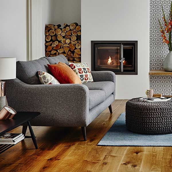 Create a lovely autumn atmosphere in your home with our Myers sofa and cosy accessories.