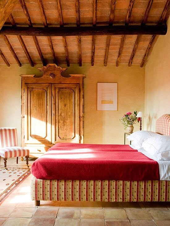 Rustic Tuscan Style Bedroom. EnglischSchlafzimmer ...