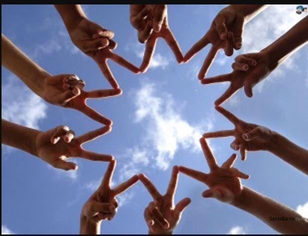 Inizia a Vallefiorita, organizzato dall'associazione Terra di Mezzo il nuovo progetto Erasmus. In questi giorni l'incontro con. rappresentanti di UNITED SOCIETIES OF BALKANS ASTIKI ETAIREIA (Greece);della MUNICIPALITY OF ALBA IULIA (Romania); dell'Istituto Superiore IES IMAXE E SON (Spain) e dell'associazione inglese THE YELLOW HOUSE (United Kingdom). Il progetto MY HOME IS YOUR HOME è centrato sul tema dell'accoglienza, del superamento degli stereotipi, della valorizazione delle diversità.