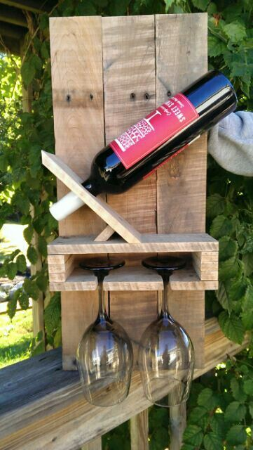 Pallet wine rack, would make a great gift.