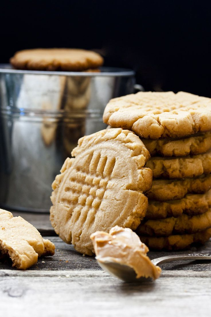 Peanut Butter Cookies - these cookies are so chewy and delicious. They find the perfect balance between sweet and savoury to make a great snack.