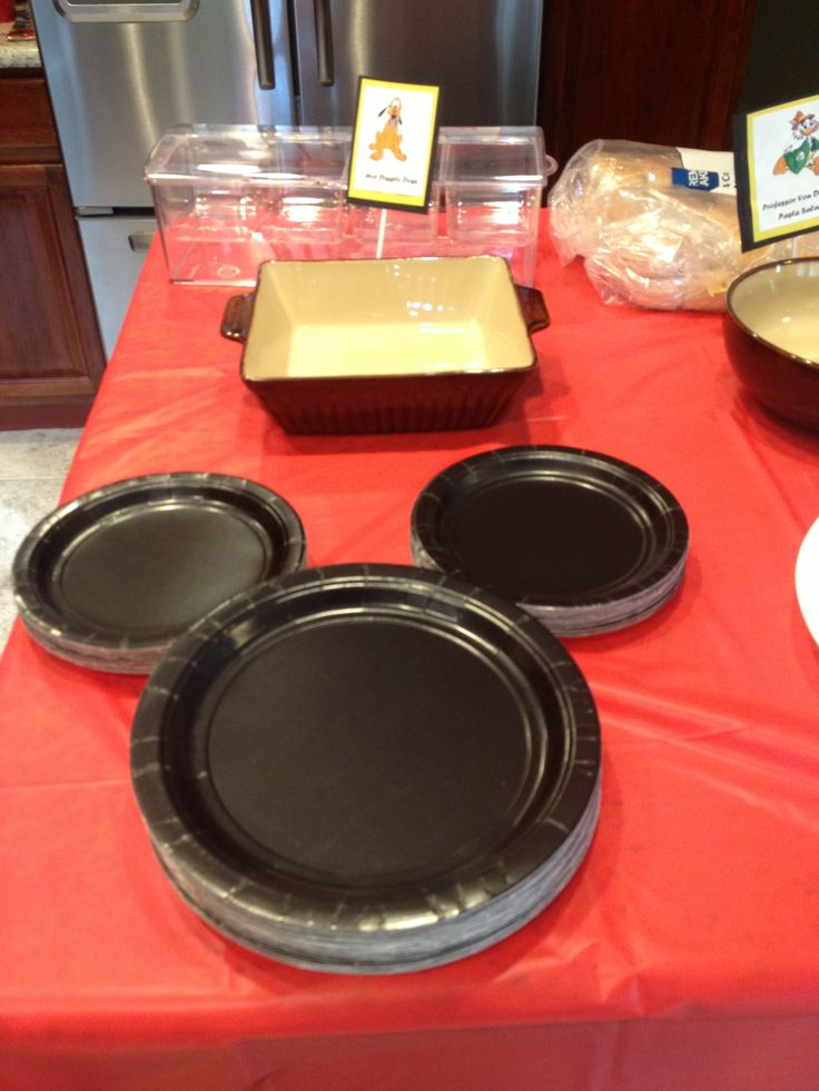 Mickey Mouse Party Plates easy to make from dollar store
