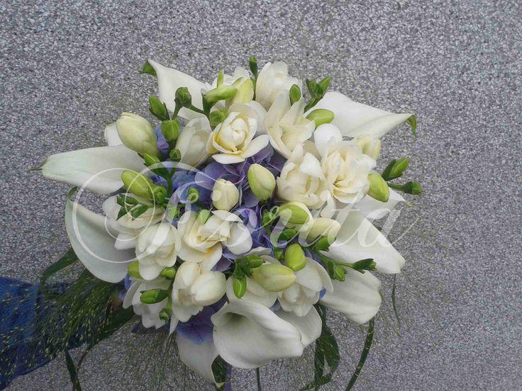 Kytka nevěsty: kaly, hortenzie, frézie