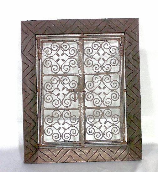 Ventana marroqui madera tallada y celos a de hierro - Celosias de madera ...