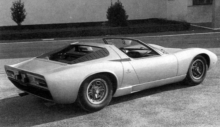 A very rare photograph of the original Lamborghini Miura Roadster by Bertone, note the air filters here ...