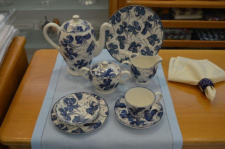 English Royal Tudor tea set - Blue Orchid