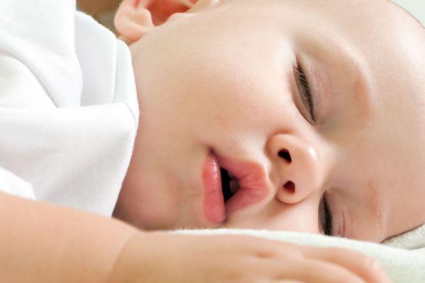 Como ajustar o sono do bebê no horário de verão?