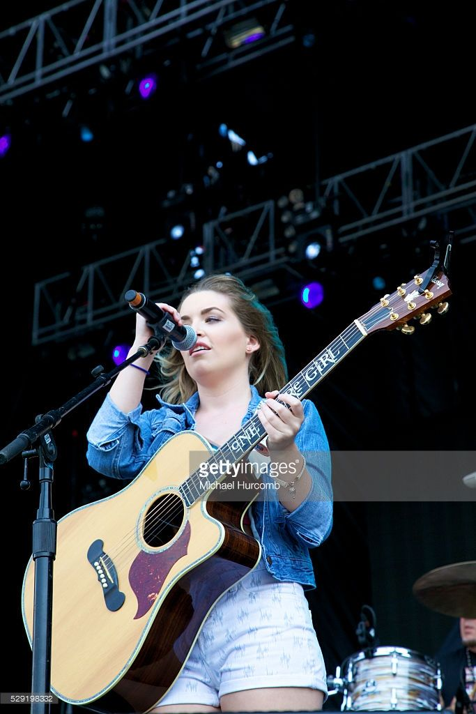 One More Girl performs at the 2014 Boots and Hearts Music Festival