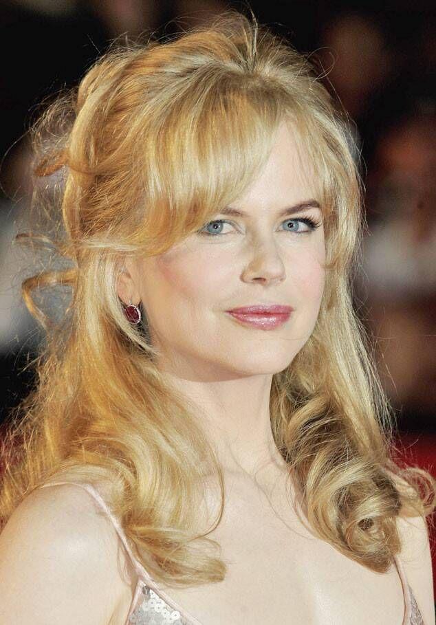 Photos From Nicole Kidman S Hair Through The Years E Online Nicole Kidman Hairstyle Modern Bob Haircut