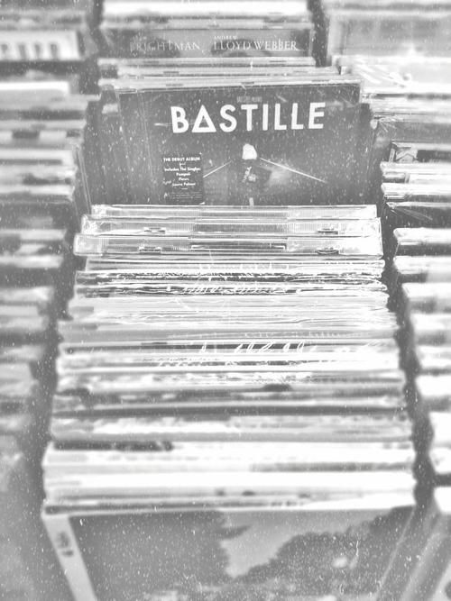 Bastille one of the coolest modern bands about ,love the techno feel to his music ♡
