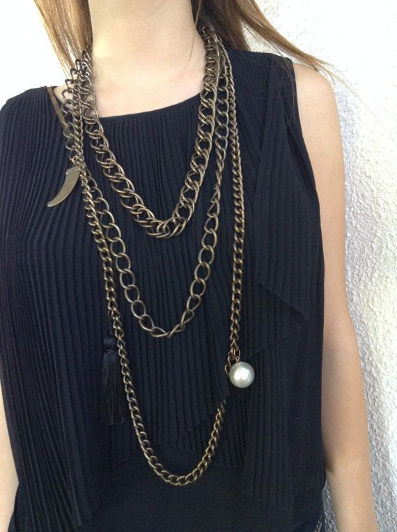 Chunky Chain Necklace with a Horn Embellishment by alsoljewels