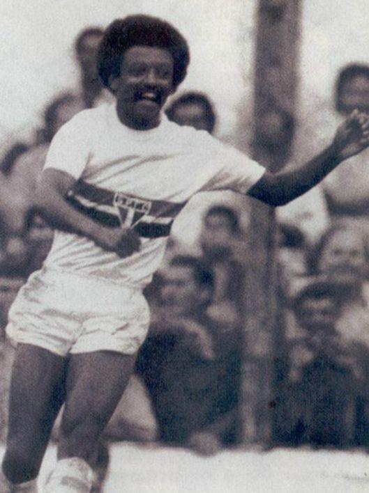 """O polivalente Zé Carlos """"formiguinha"""". Crédito: revista Placar."""