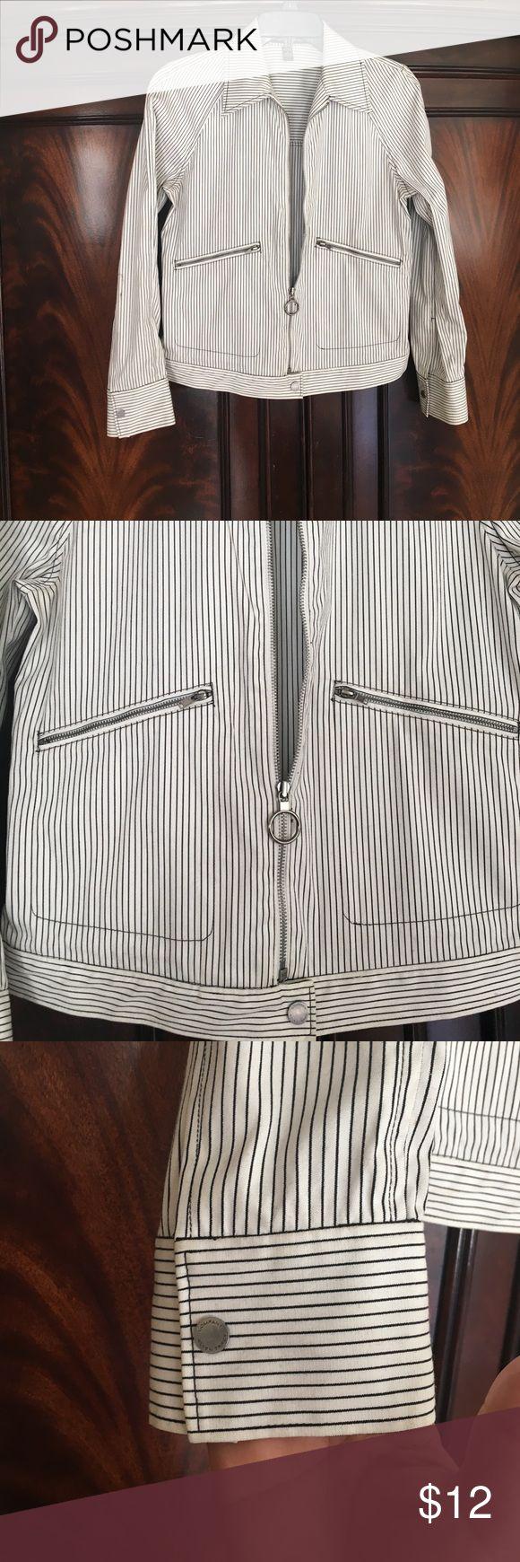 Ellen Tracy pinstripe jacket Pinstripe jacket by Ellen Tracy Company Ellen Tracy Jackets & Coats Blazers