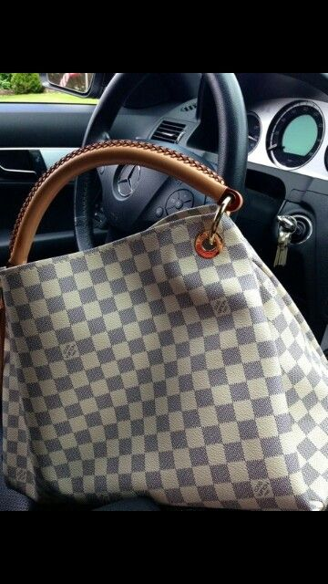 Louis Vuitton Bag Sizing Guide: BB, PM, MM, & GM | Lollipuff