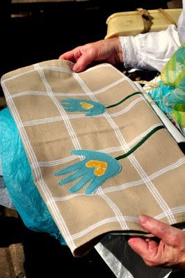 personalized tea towel's for grandma on mother's day! here's how to!