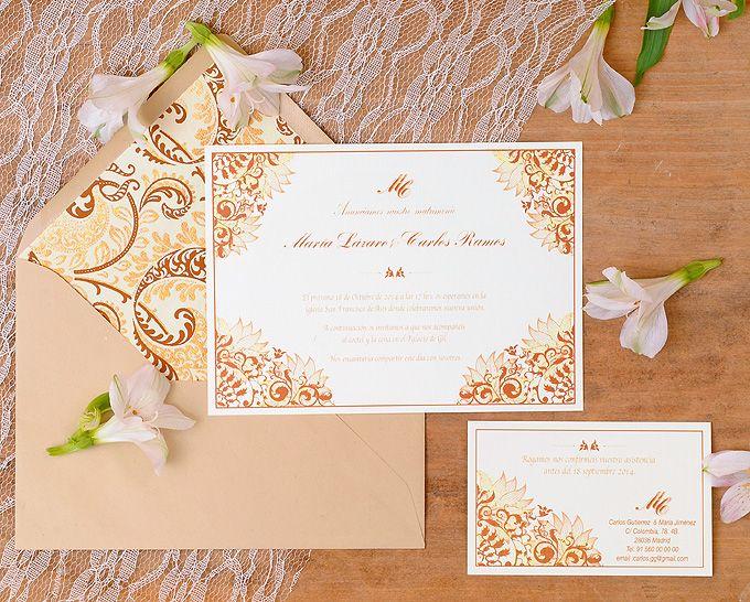 Invitaciones de boda con motivos florales en dorado y marrón. www.azulsahara.com #invitaciones #wedding #stationery