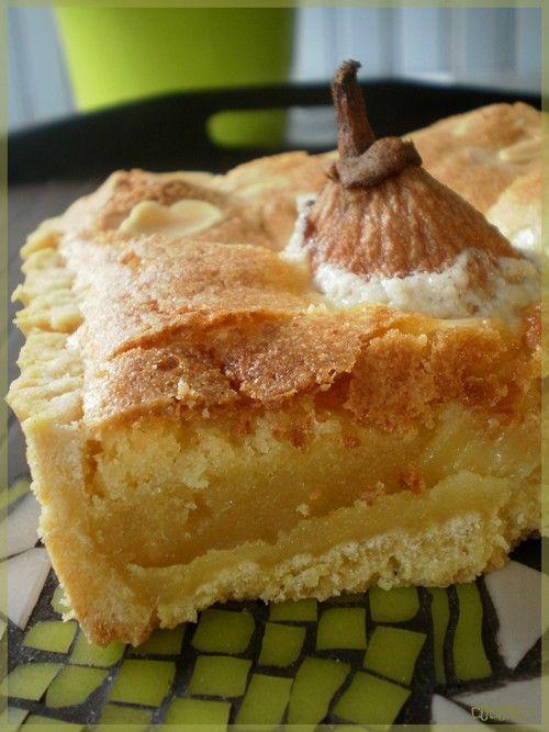 Encore une tarte bien de saison, terriblement fondante et bien riche (et oui …). La pâte sablée vient contraster avec le crémeux de la frangipane. La saveur dense de la frangipane vient enrober la poire juteuse et sucrée … Une symphonie de textures qui fait le succès de tous bons desserts : Ingrédients : la pâte sablée : – 250 g de farine, – 125 g de sucre, – 1 oeuf, – 100g de beurre, – 1 pincée de sel. la frangipane : – 150 g d'amandes en poudre, – 150 g de sucre, – 150 g de beurre fondu, –…