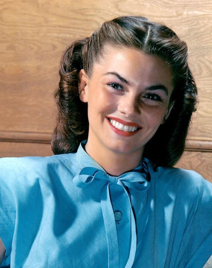 "Joanne Dru (January 31, 1922 – September 10, 1996) born in Logan, WV, was an American film and television actress, best known for such films as ""Red River"" with John Wayne and ""All the King's Men"" with Broderick Crawford. She was the elder sister of Peter Marshall, an actor and singer best known as the original host of the American game show ""Hollywood Squares""."