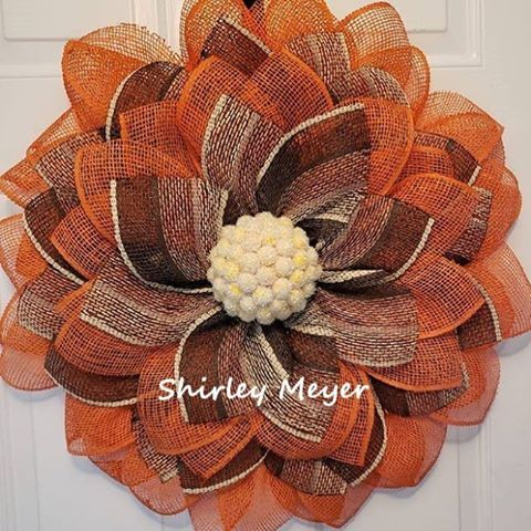 This #wreath was made using faux burlap and I am so impressed with how easy it w…