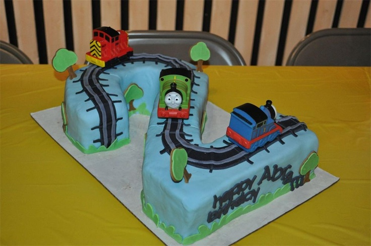 Thomas The Train Cake Like This Too Maybe Use Cupcake In
