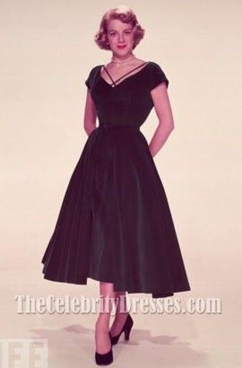 I have ALWAYS wanted this #dress. Rosemary Clooney Dark Green Velvet Cocktail Dress In White Christmas 1954