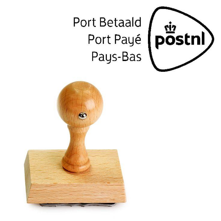 PostNL voor nationaal en internationaal gebruik. Stempel met houten montuur. Bestel deze stempel bij Stempelfabriek.nl. Slechts één dag levertijd.
