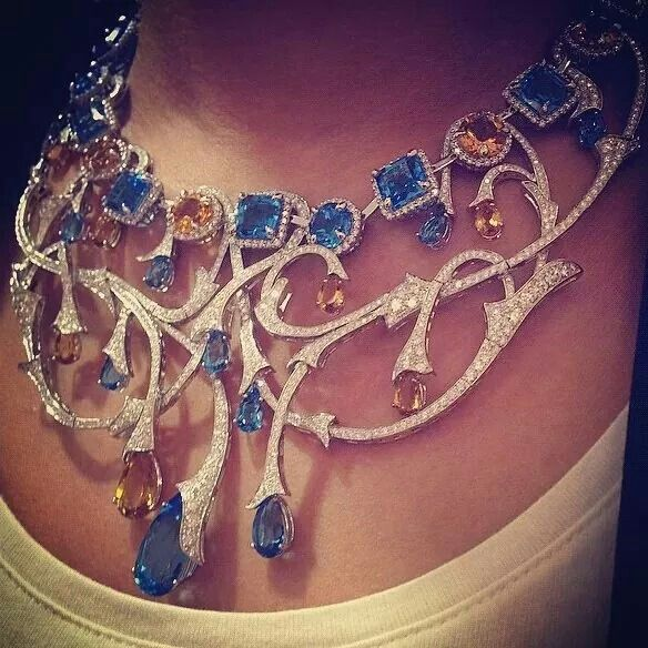 Collier versace doucet