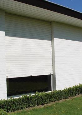 Er zijn drie soorten rolluiken en die hebben bij verbouwingen bepaalde voor- en nadelen. Foto: www.winsol.be (inbouwrolluiken • wit)