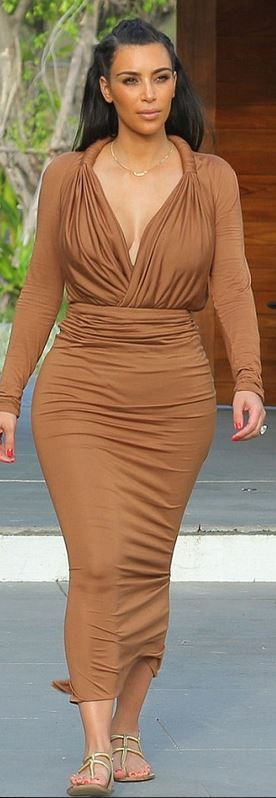 Who made Kim Kardashian's flat sandals and ruched brown maxi dress? Shirt and shirt – Givenchy Shoes – Gucci