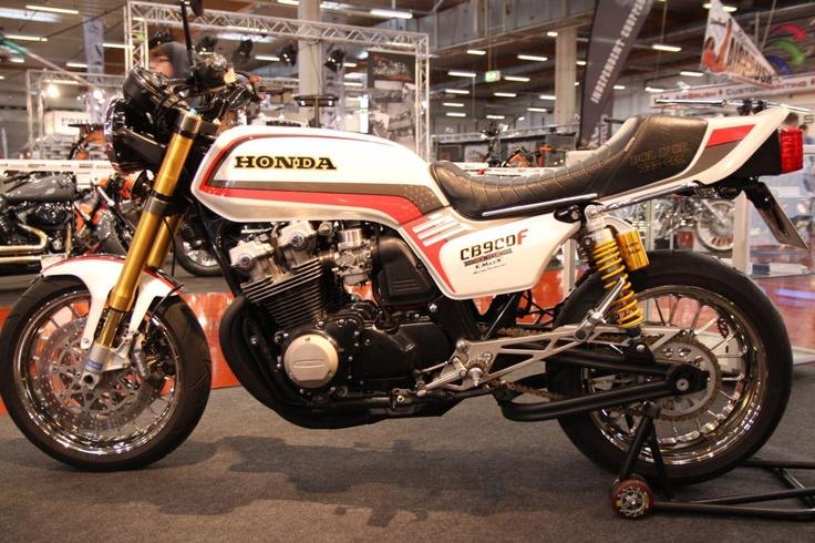 Honda CB 900 F Custombike. http://www.1000ps.at/motorrad-bildergalerie-Custombike_Show_2012_Bad_Salzuflen___Teil_6-8860