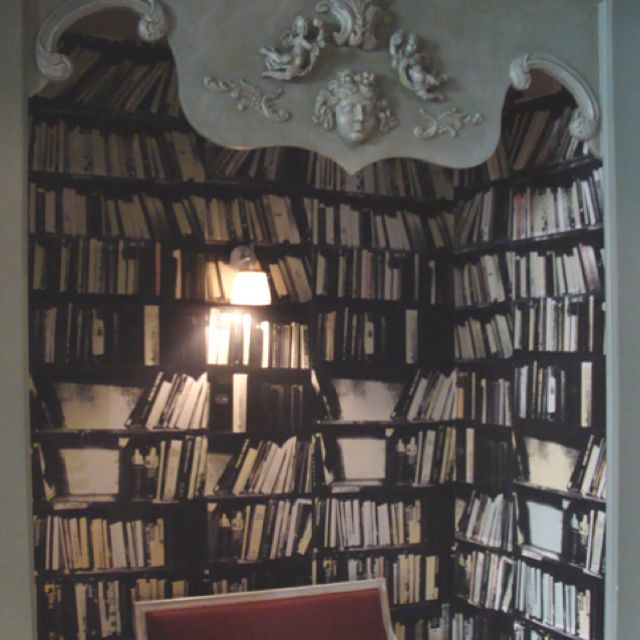 bookshelf built into a wall!!!! whaaaaaaaaaaaaaaa