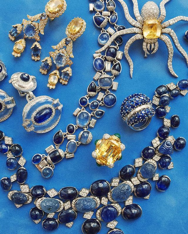 Click the link in bio to read and subscribe to the David Webb Fall Newsletter, and find out a bit more about David Webb's use of the birthstone of the month, sapphire! ✨✨