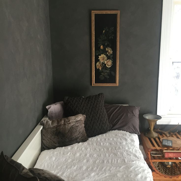 Finished guest room. Ralph Lauren Suede Paint in a grey I made the paint guy custom blend for me. Antique rose painting. Hemnes ikea day bed. Seersucker duvet cover from target. Antique lamp.