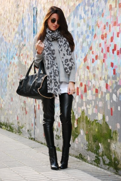 Leather: Fashion, Inspiration, Clothes, Street Style, Outfit, Leather Pants, Scarf