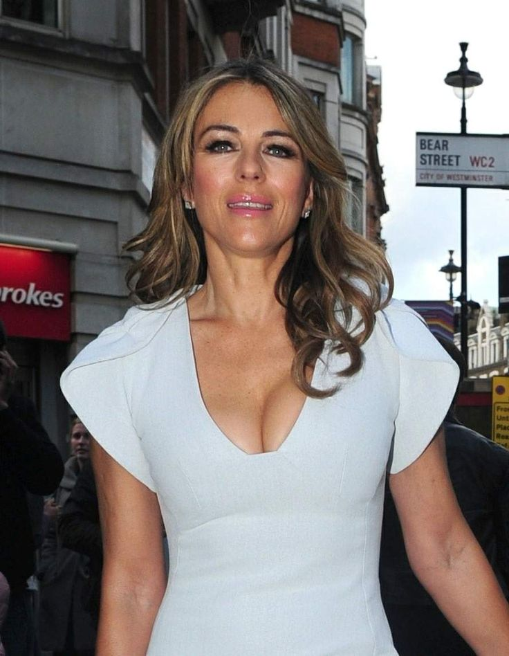 Elizabeth Hurley attended a premiere in Leicester Square on Bonfire Night, London November 5-2017