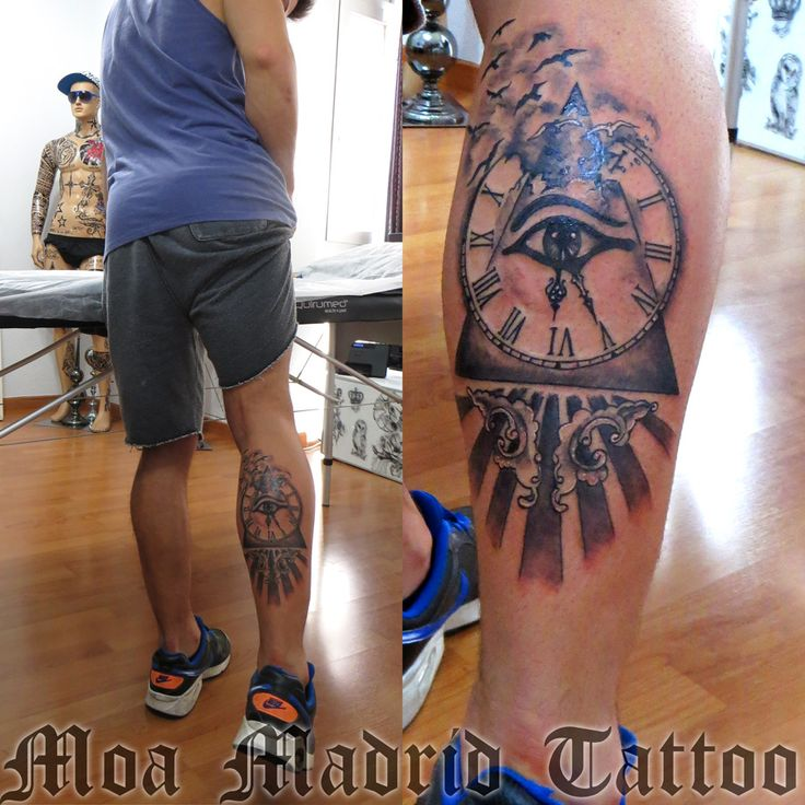 Tatuaje simbólico con pirámide y ojo que todo lo ve  Moa Madrid Tattoo, tu elección mejor de tatuador en Madrid.  Tu tattoo profesional, en mi estudio de tatuaje.