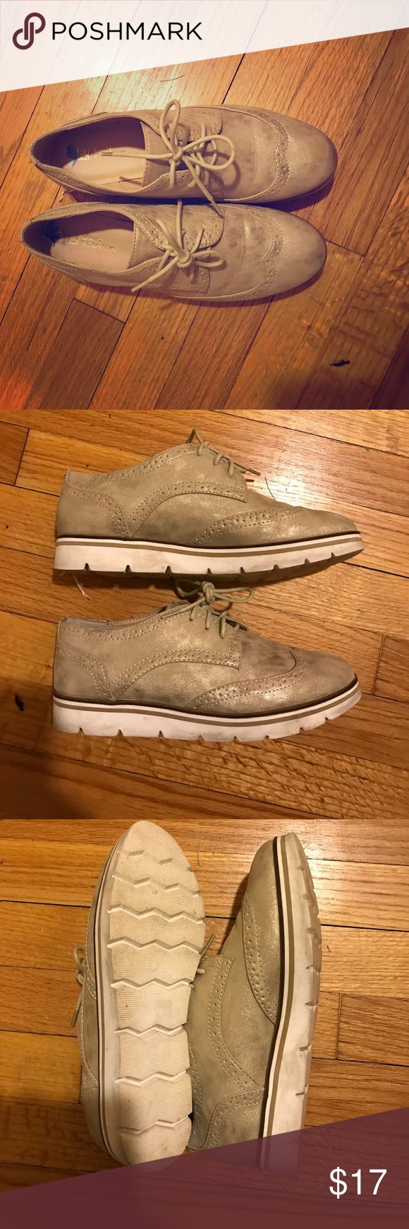 White Mountain Shoes Size 6 1/2 White Mountain Shoes White Mountain Shoes Flats & Loafers