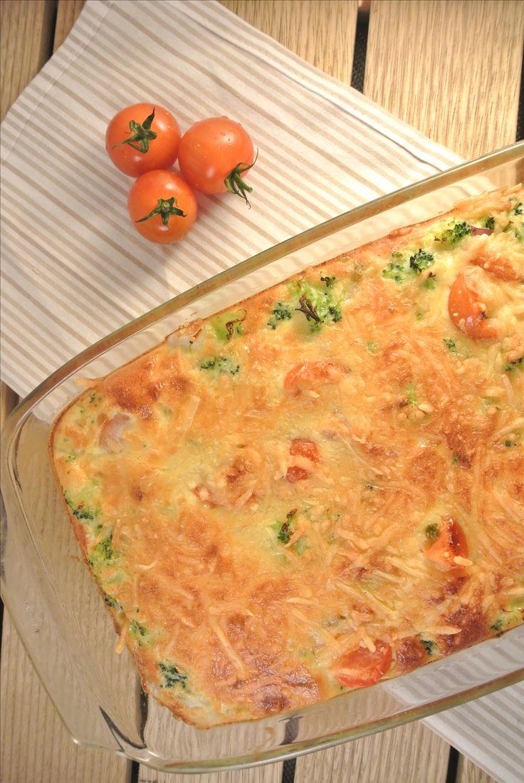 Broccoli frittata met tomaat, uit, kaas, room, ei http://www.volrecepten.nl/click/index/189648/?site=lekkerensimpel.com